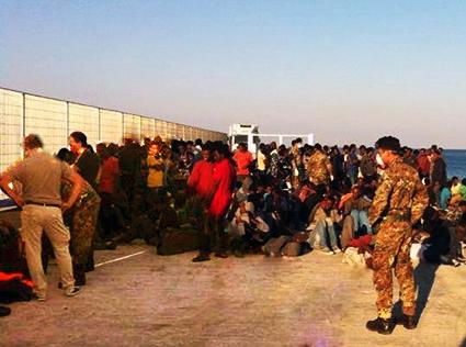 Sbarchi: a Lampedusa è il caos
