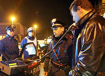 carabinieri-controlli-etilometro-movida-castelvetrano-marsala-news-informazione-notizie-giornale-www.marsalanews.it