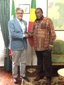 da dx Ambasciatore del Congo-Brazzaville in Italia, S.E Mamadou Kamara Dekamo, ed il Presidente del Distretto Giovanni Tumbiolo