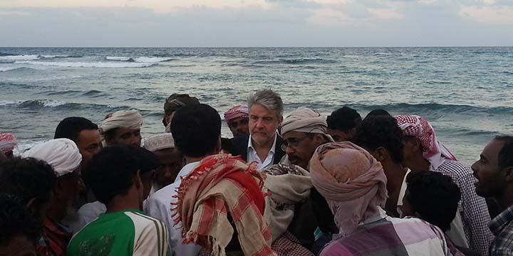 Ministro Pesca Yemen Al Soqatri e pres Distretto Tumbiolo a Socotra-blue sea land