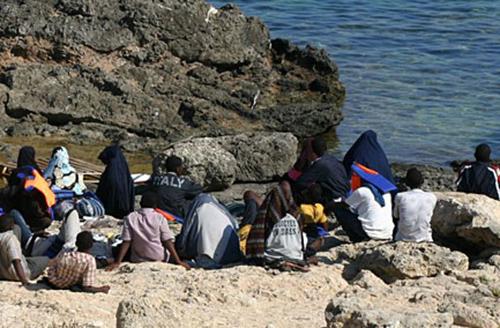 """""""Cosa nostra dietro gli sbarchi""""  La mafia e l'affare dei migranti"""