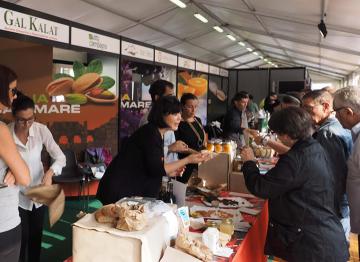 fiera-alimentare-gastronomia-torino-visitatori-stand-sicilia-Granieri-Terra-Erea-sicilia-provinica-trapani-marsala-news-cronaca-marsalanews