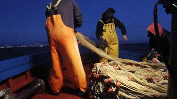 pesca-pescatori-in-battuta-a-bordo-di-peschereccio-marsalanews