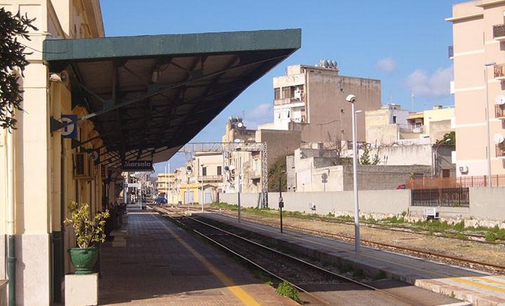 stazione-ferroviaria-marsala-ferrovie-dello-stato-treni-lenti-sporchi-marsalanews