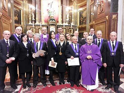 7 confrati tagliano la soglia dei 50 anni di iscrizione alla confraternita dell'Addolorata