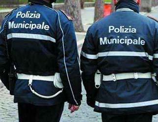 polizia municipale chiusi 2 chioschi