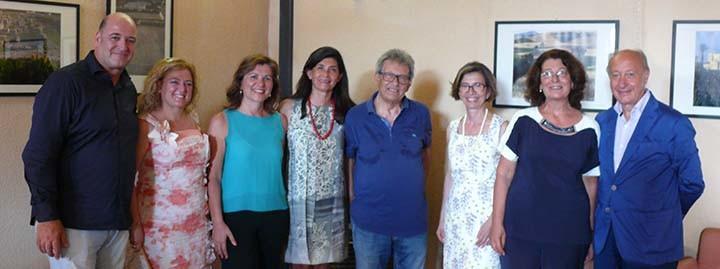 Lo staff del Museo insieme al Sindaco e al Maestro Giuseppe Leone