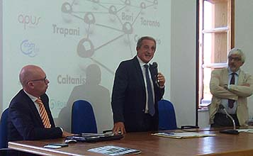 Il coordinatore del workshop Maurizio Bruno, il direttore generale ASP De Nicola e il direttore editoriale e-Sanit@ Caruso.