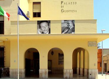 Fugge da Marsala e torna in patria con i figli: a processo un tunisino