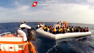 immigrazione-salvataggio-profughi-mare-trapani-sicilia