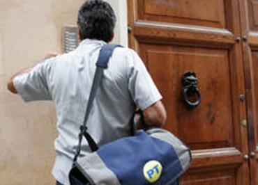 postino-posta-portalettere-poste-italiane