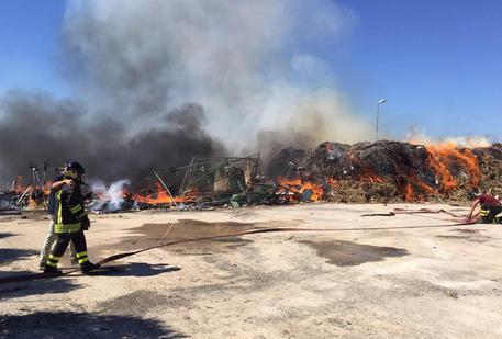 Rifiuti: incendio in impianto biostabilizzazione a Trapani