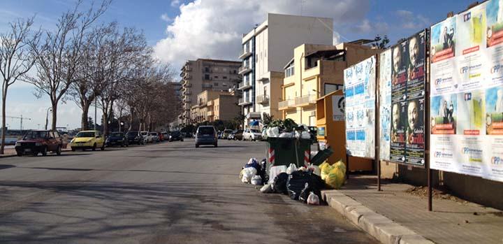 mazara del vallo città invasa dai rifiuti