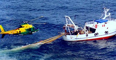 pesca-a-strascico-guardia-di-finanza-elicottero-mare