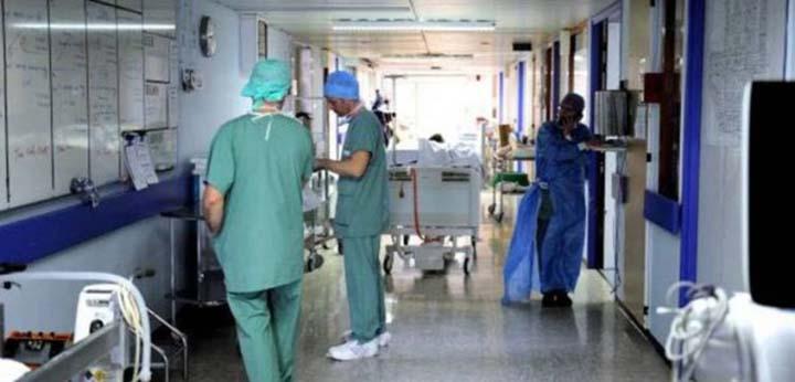 Bimbo muore in ospedale per i medici è meningite