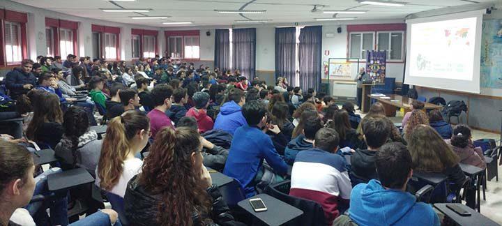 Il Lions Club di Marsala parla ai giovani per la lotta contro i tumori