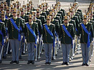 Lavoro la Guardia di Finanza recluta 380 allievi, COME ISCRIVERSI