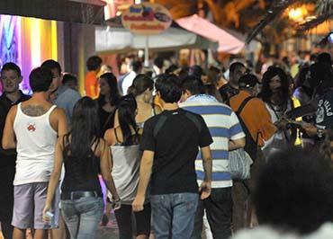 Marsala: vietato consumare alcolici in vetro dal 10 agosto al 30 settembre