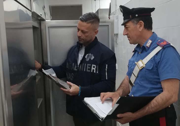 """Carabinieri chiudono ristorante in zona """"tonnarella"""""""
