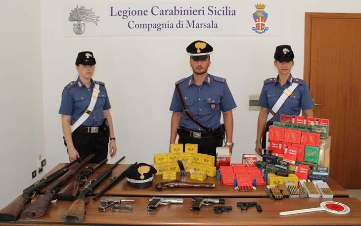 Marsala: detiene illegalmente armi e munizioni, arrestato