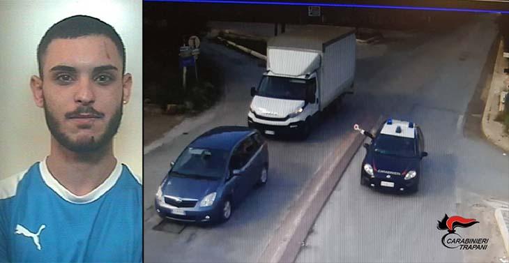 Ruba un furgone e tampona i Carabinieri, arrestato a Buseto