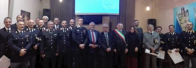 Castellammare premia le forze dell'ordine, consegnati 17 encomi